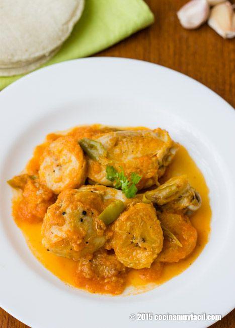 Receta de pollo guisado con plátano macho, una receta auténtica de la cocina mexicana, originaria de Veracruz.