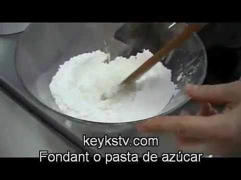 How to make rolled fondant or sugarpaste. Fondant recipe