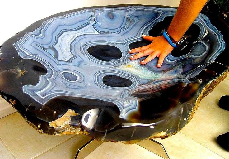 This is a Museum Size Spectacular HUGE Agate Table. © Design by Luca  Visit Amazing Geologist for more