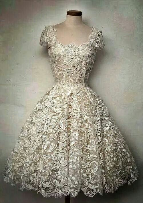 Gorgeous lace vintage dress