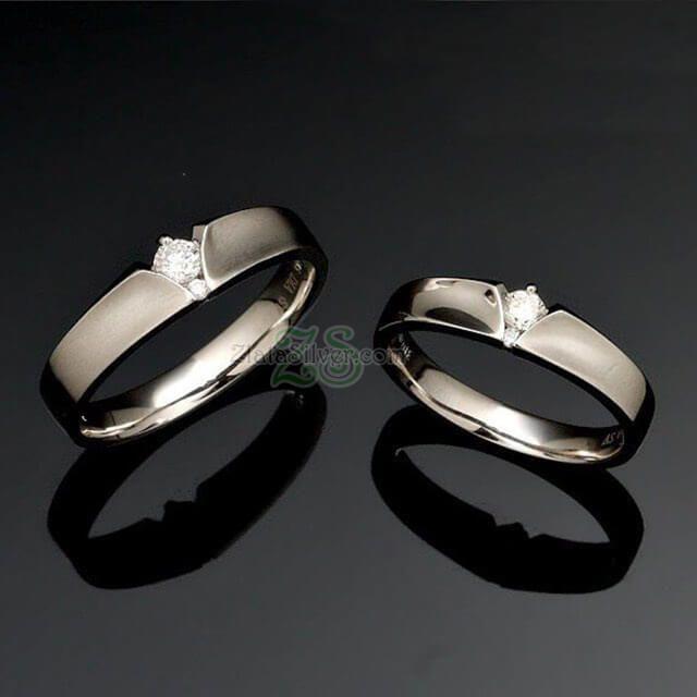 Cincin Kawin KeenanCincin Kawin Keenan merupakan cincin kawin unik elegan berhiaskan sebuah  permata pada masing-masing cincin serta modelnya yang unik menambah kecantikan cincin ini  http://zlatasilver.com/cincin-kawin-keenan.html  #cincinkawin #cincinnikah #cincintunangan #cincinpasangan #weddingring #cincinunik #cincinnikahunik #cincinemas #cincinpalladium #cincinperak