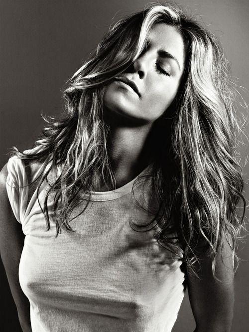 Jennifer Aniston, blogger, White T-shirt, tshirt, tee shirt, actress, model, singer, hot, celebrity