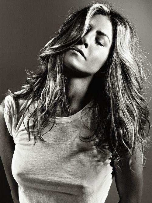 Jennifer Aniston, blogger, White T-shirt, tshirt, tee shirt, actress, model, singer, hot, celebrity
