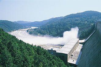 Výsledek obrázku pro vltava orlická přehrada 2002