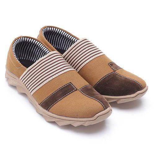 Original Sepatu Dr.Kevin Colorado - Camel   Deskripsi : Sepatu Kasual, Warna Camel, Upper Suede, Sole TPR   Ketersediaan Size = 39, 40, 41, 42, 43   IDR 385.000