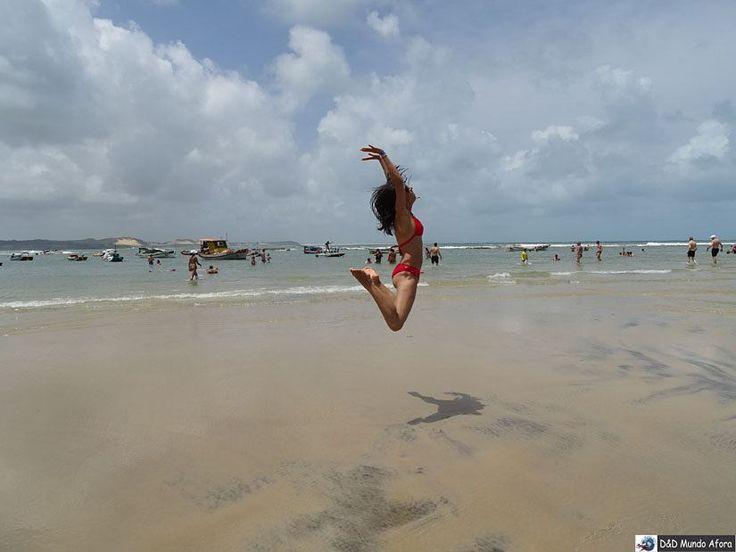 Hoje é segunda-feira? Huhuhu... Eu tô de férias!!!!! Praia de Pipa Rio Grande do Norte.  Fique ligado em breve todos os detalhes desta viagem incrível..... http://ift.tt/1JUgiOy  #mundoafora #dedmundoafora  #travel #viagem #tour  #trip #travelblogger #travelblog #braziliantravelblog #blogdeviagem #rbbviagem #instatravel #blogueirorbbv  #blogueirosdeviagem  #mtur #vivadeperto #natal #riograndedonorte #paraiba #joaopessoa #praia #beach #buggy  #praiadepontanegra #praiadepipa #genipabu…