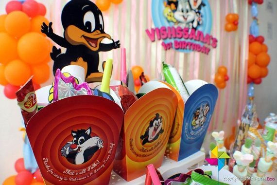 Customized Party Packs / Goodie Packs / Door Gifts / Favors (Looney Tunes Theme) x 10 pcs