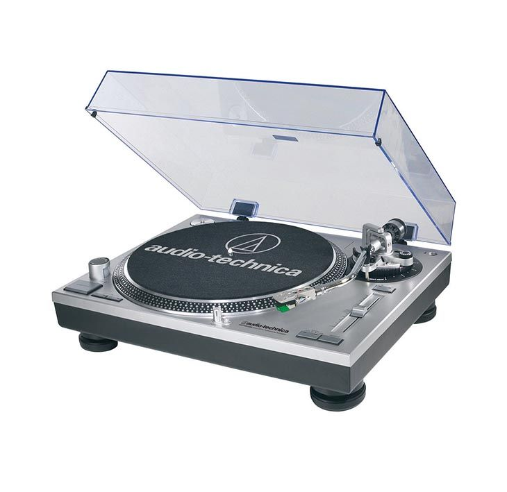 Vinyl Record Player - A Listening Experience - A great Turntable for any stylish apartment.