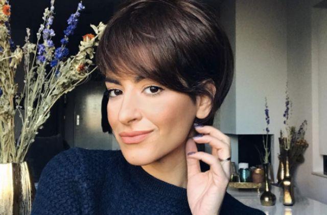 Sarah Angius s'est fait connaître sur Instagram grâce à ses talents en matière de coiffure. Elle nous montre comment passer du long au court, sans aller chez le coiffeur !