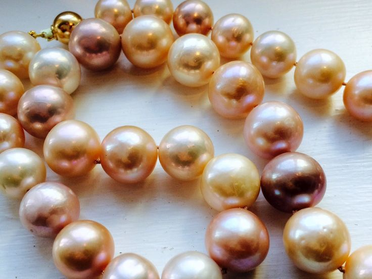 Necklace with huge 16-17mm pastel pink pearls, 9ct clasp by kochiokada on Etsy
