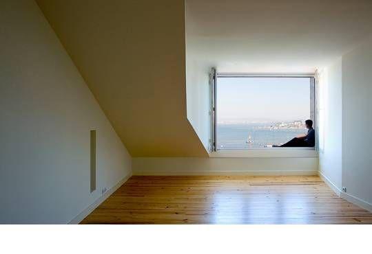O projeto teve como objectivo proceder à recuperação de um edifício de 4 pisos + sótão, na Lapa em Lisboa.