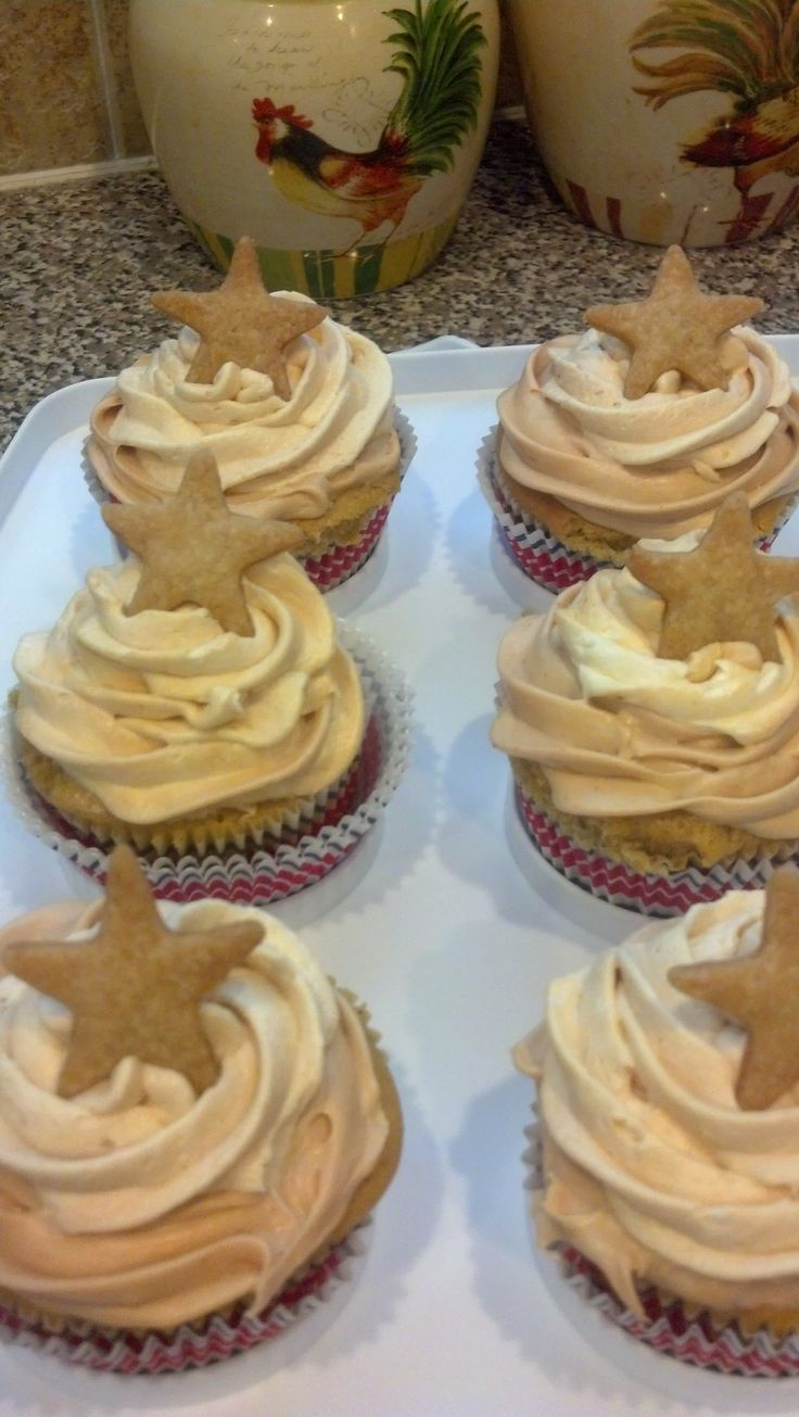 Apple pie cupcakes i made for 4th of july cake for Apple pie decoration