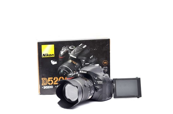 Jual Kamera DSLR Second – Nikon D5200 Fullset: Kamera DSLR Second - Nikon D5200 Fullset Harga: Rp. 4.650.000,- (Ready Stok)