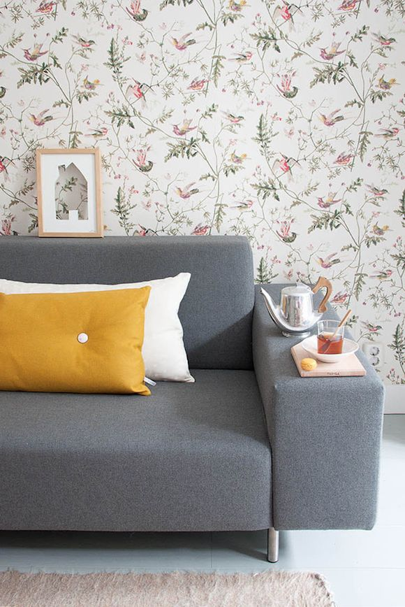 lovely wallpaper. Cole & Son Hummingbirds wallpaper