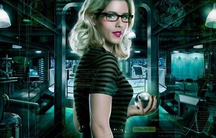 """Real life """"Felicity Smoaks"""" - A list of the most amazing geek ladies. When we talk about tech reviews, smartphones, or any gadgets for that matter, we usually, knowingly or unknowingly, imagine a guy talking about all that.   #personalities #technology"""