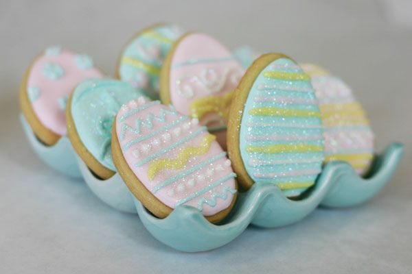 Love these glittery egg cookies