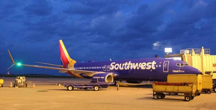 International Airlines show off in new colors