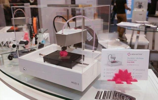 La impresión 3D ya no es tan protagonista en el CES   Hace dos años Bre Pettis el CEO de MakerBot era el repsonsable de ofrecer la charla inaugural del CES de Las Vegas. La impresión 3D era lo más de lo más la tendencia que parecía destinada a revolucionar el mundo. Las cosas han cambiado sensiblemente y tras esa expectación inicial las impresoras 3D han tenido un papel menos prominente en el CES 2016.  Eso no significa que hayan desaparecido del mapa desde luego pero no hemos oído hablar…