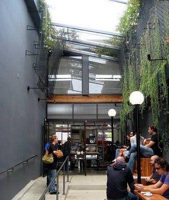 Where #VeniceBeach locals converge for their daily caffeine fix. #Intelligentsia #coffee 1331 #AbbottKinney Blvd
