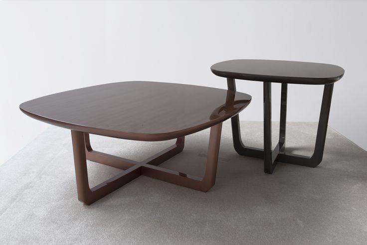 Mesas de centro modelo 4221/1.Acabado en cobre brillo. 130 x 130 x 47. Acabado en antracita brillo 90 x 90 x 65. Coleccion 2017. Fortune . Tecni nova.