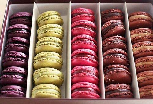 fashion in my soul ☮Dreams Beautiful, Beautiful Dreams, Yummy Food, Macarons Smackdown, French Macaroons, Parisian Life, French Macarons, Sweets Rose, Colors Macarons