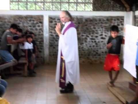 Crónicas visuales del P. Nicolas en la amazonia ecuatoriana-