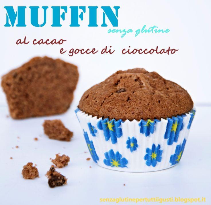 I Muffin senza glutine al cacao e gocce di cioccolato sono una colazione ideale per i bimbi più golosi e un'ottima idea per una merenda fra amici. Semplici e veloci da realizzare e inoltre belli da vedere. Da una ricetta della Pastry Chef Paola Bertolli