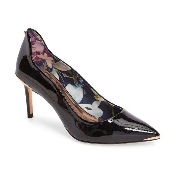 Women's Ted Baker London Vyixin Pump (605 BRL) ❤ liked on Polyvore featuring shoes, pumps, black patent leather, black pointy shoes, black pointed-toe pumps, black patent shoes, black patent leather shoes and ted baker pumps