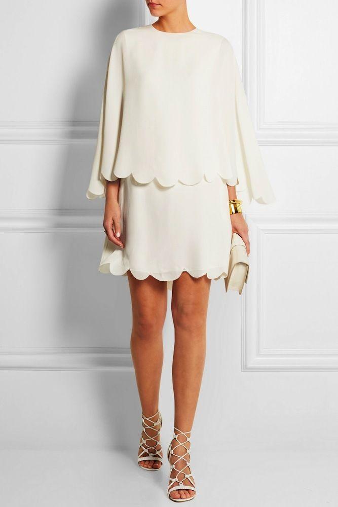 Vestido corto en color blanco roto de seda con capa superpuesta y con bajo festoneado de Valentino