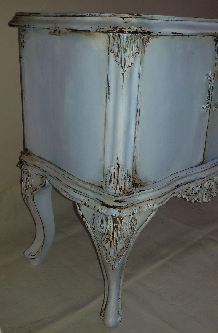 Comodino, tavolino, bedside table, table, chippendale, shabby chic, chippy, azzurro polvere sfumato, light blu  https://www.facebook.com/shabbychippy77lecreazionidiele/