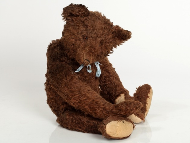 Big Teddy bear with growler by Steiff, Germany 1908-1933 | Auctionata