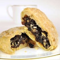 Eccles Cakes were first baked in 1793 in a small village called Eccles near Manchester UK. A British staple and one of my favs!