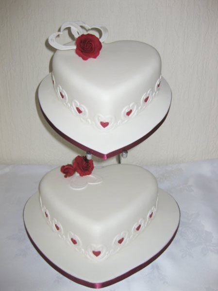 Wedding Cakes Pictures: heart