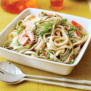 Shrimp Alfredo: Dinner, Lights, Alfredo Recipes, Pasta Recipes, Shrimp Alfredo, Shrimp Fettuccine Alfredo, Alfredo Sauce, Shrimp Recipes, Light Fettuccine