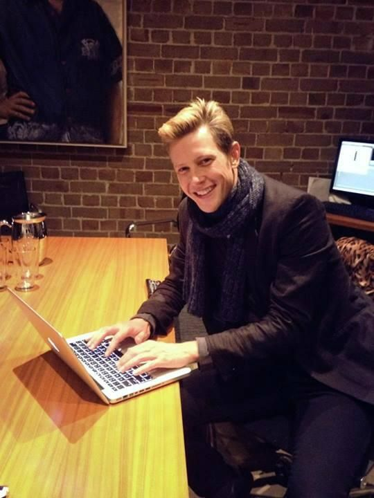 Twitter / Channel7: A more dapper blogger you have ...
