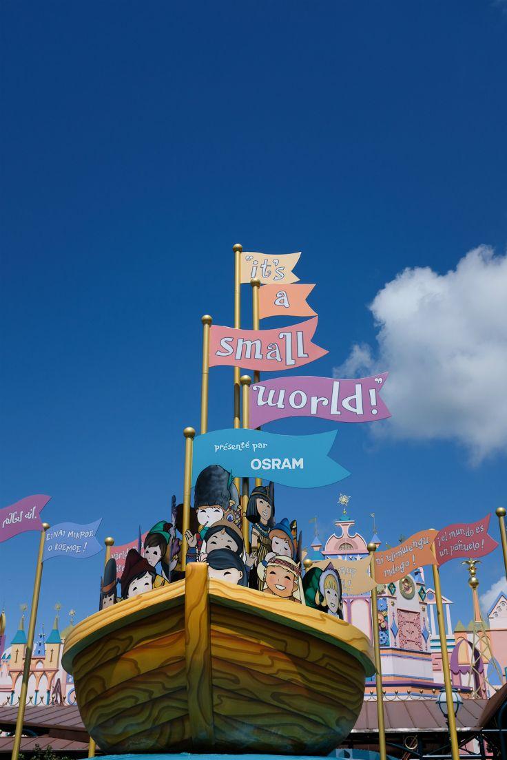 Blogger Wimke ging met haar gezin naar Disneyland Parijs! Ze verbijf op camping dicht bij dit prachtige pretpark.