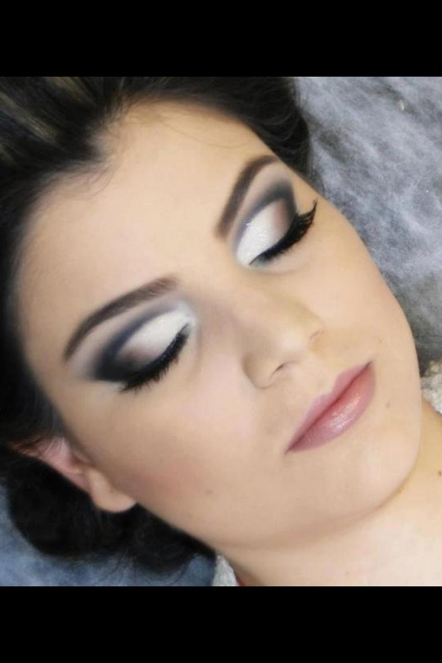 If I could actually get my eye makeup to look like this, that'd be awesome.