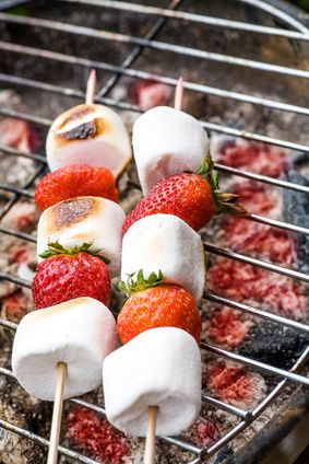 Brochette de fraises et Chamallows au barbecue