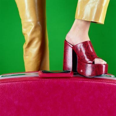 Moda escandalosa de los 70 para mujeres | eHow en Español