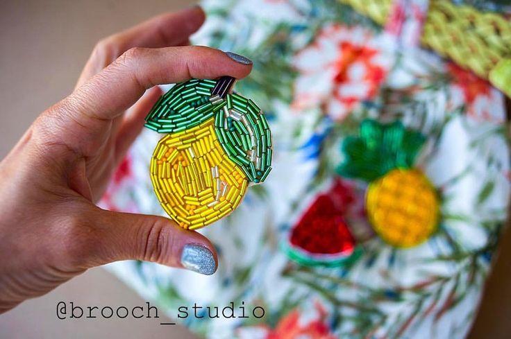 """73 отметок «Нравится», 1 комментариев — @brooch_studio в Instagram: «Брошь """"Лимон""""  Размер 6 см ❌продан #spb #brooch #brooch_studio #брошьлимон #брошьспб #брошь2017…»"""