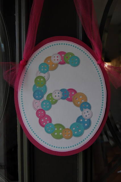 Lalaloopsy Party: The button wreath idea