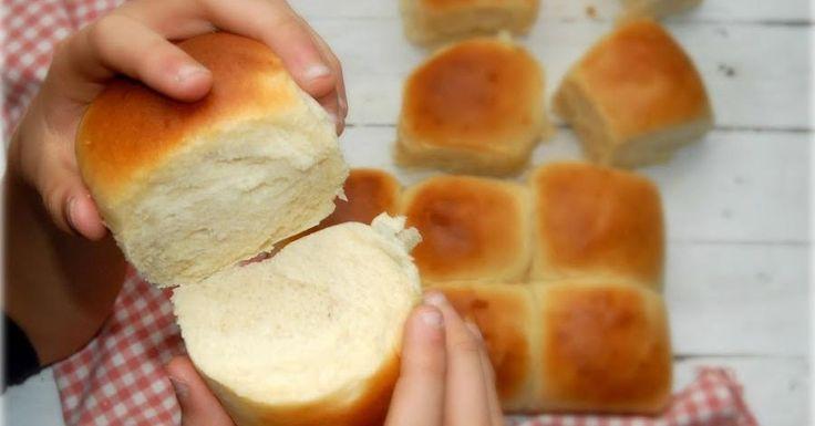 Ten listo para el desayuno de mañana unos ricos panecillos de leche gracias a la sencilla receta que comparten desde el blog SOPLA QUE TE QUEMAS.