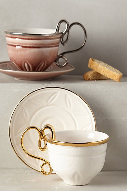 Love the heart handle on these mugs