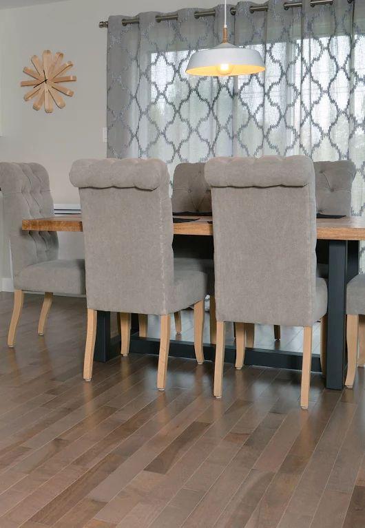 Les 25 meilleures id es concernant bois franc sur pinterest piece de velo plancher de bois for Peindre plancher bois franc
