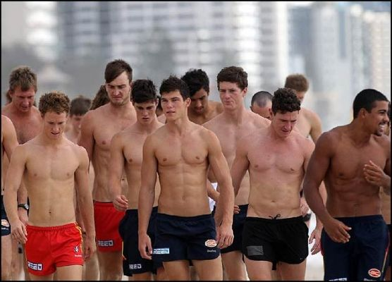 Gold Coast Suns....Jaeger O'Meara in the fron with the epic 6 pack