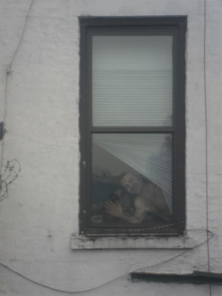 Graffiti estilo trampantojo, visto desde High Line Park, NY