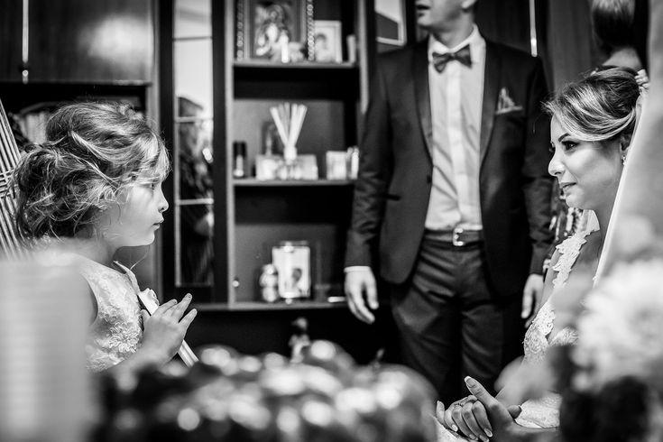 Fotografie de nuntă. Anca și Iozef, nuntă București - Phoenix Cernica. Fotografii de Mihai Zaharia Photography. Pregătiri. Copii. Alb-negru