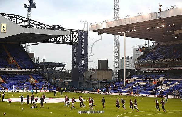 LONDON, ENGLAND - JANUARY 08: General view inside the stadium as the teams warm up prior to kick off during The Emirates FA Cup Third Round match between Tottenham Hotspur and Aston Villa at White Hart Lane on January 8, 2017 in London, England