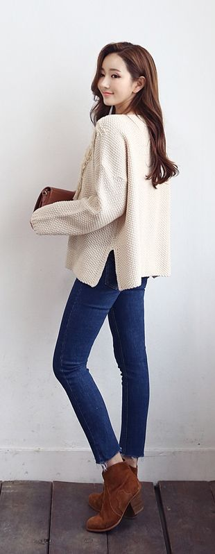 Love this oversized sweater, but maybe in a emerald green, burgundy, or gray?