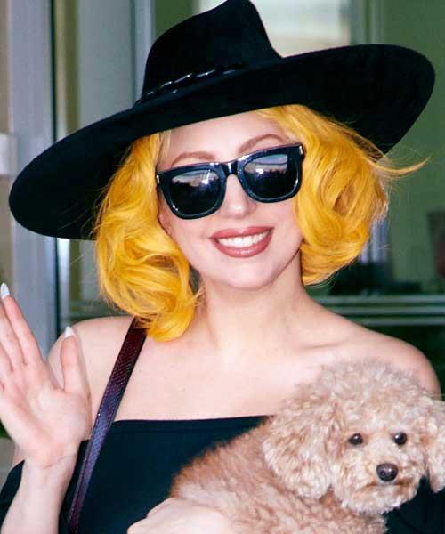 lady gaga in yellow - photo #32